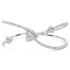 Trilliant cut diamond two finger ring